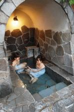 萬象閣 敷島 四番湯「かまくら風呂と寝風呂」入浴中